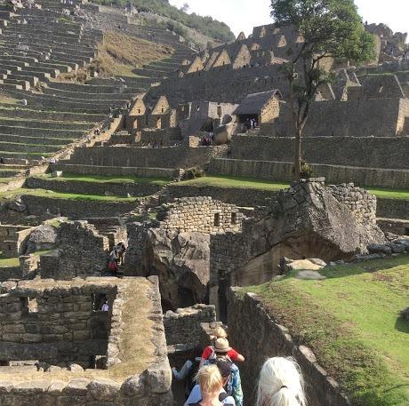 På vej rundt I templerne i Machu Picchu