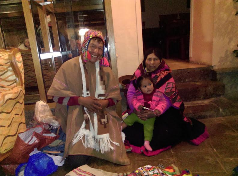 Paqoen Ricardo fra Q'ero med sin familie